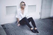 08 black skinnies, a striped button down with short sleeves and black slipons for a comfy look
