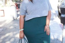 10 a teal pencil knee skirt, a grey top, a teal bag and tan shoes for a gorgeous look