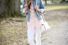 12 white jeans, a pink shirt, a cropped denim jacket, a white bag and brown mules