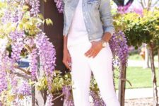 14 denim on denim trend with a white top, white skinnies, white sneakers and a blue denim jacket