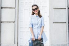 15 a blue shirtdress, blue cropped skinnies, red strappy heels and a bold clutch for a creative job