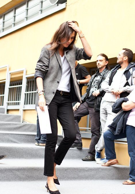 black skinnies, a white tee, a grey blazer and black kitten heels for a casual work look