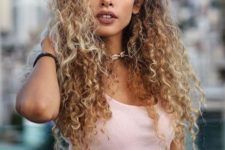 16 look like a Disney princess with such cool curls, you will be irresistible