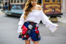 summer look with floral prints