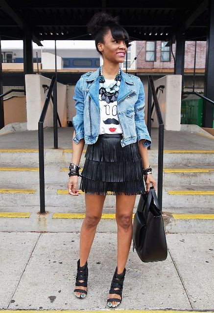 With t shirt, denim jacket, high heels and tote