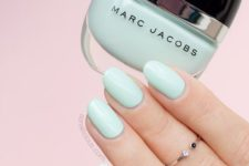 03 light mint manicure is ideal for spring or summer