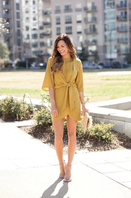photo 18 Polka Dot Wrapped Dress Outfits