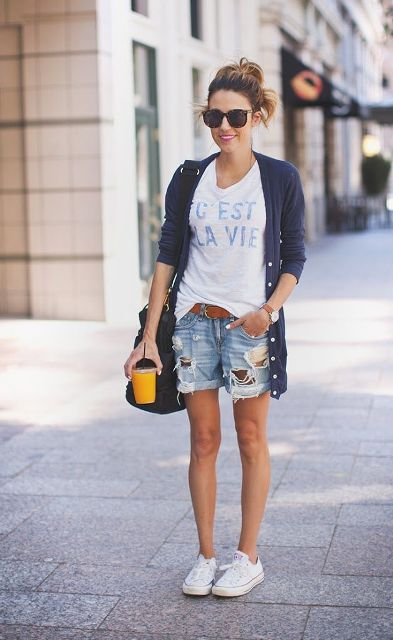 With loose t-shirt, navy blue cardigan, white sneakers and bag
