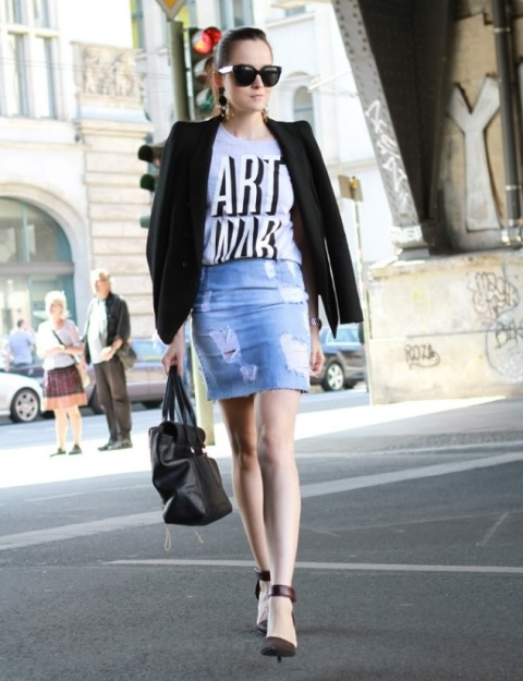 With printed t-shirt, black blazer, ankle strap shoes and bag