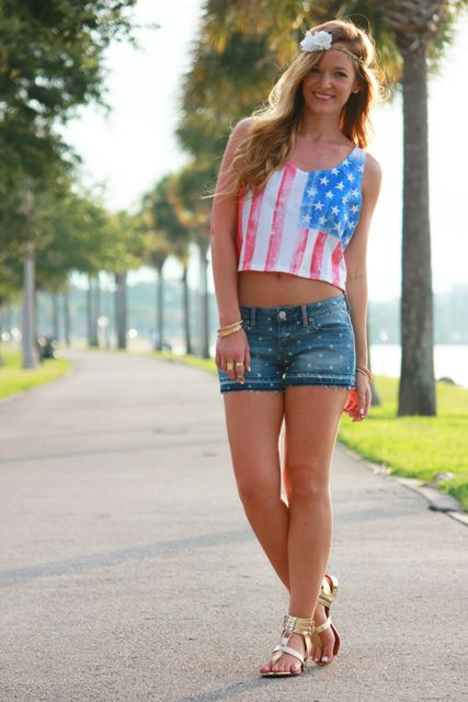 summer look with denim shorts