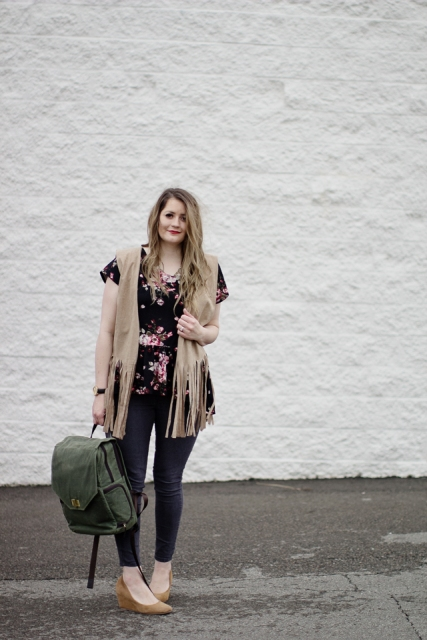 With skinny pants, floral blouse, beige shoes and olive green backpack