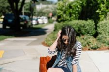 summer look with leopard printed shoes