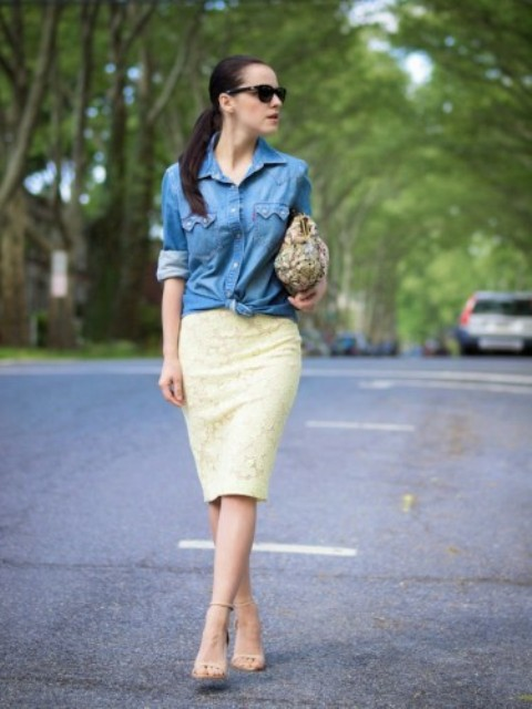 With yellow pencil skirt, beige shoes and printed bag