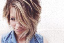 cute short wavy hairstyle