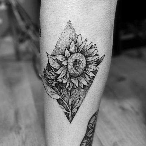 18 Sunflower Tattoo Ideas For Women Obsigen
