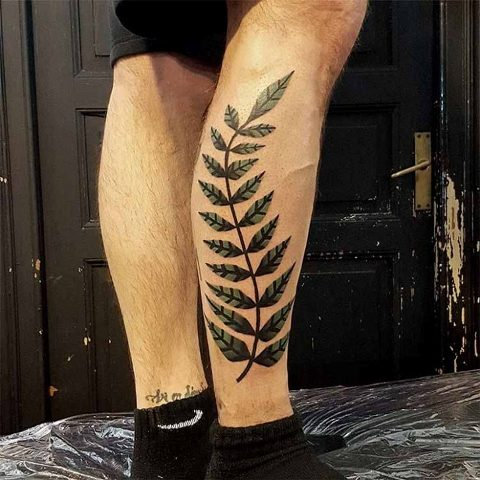 Big tattoo on the leg
