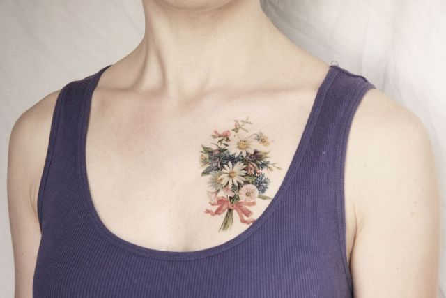 18 Beautiful Tulip Tattoo Ideas For Women foto