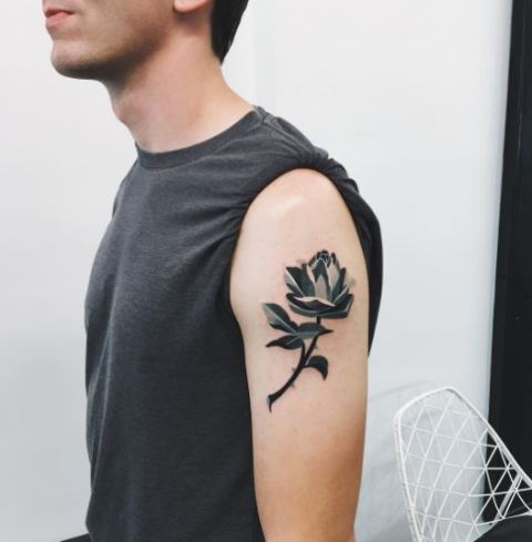 Geometric tattoo on the shoulder