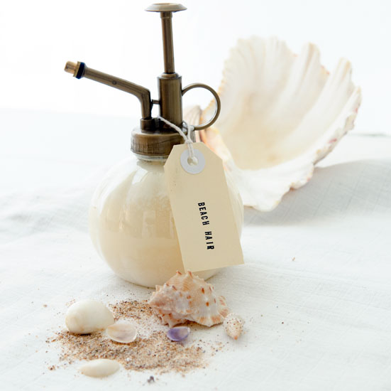 DIY rich beach hair spray with oils and zinc (via blahblahmagazine.com.au)