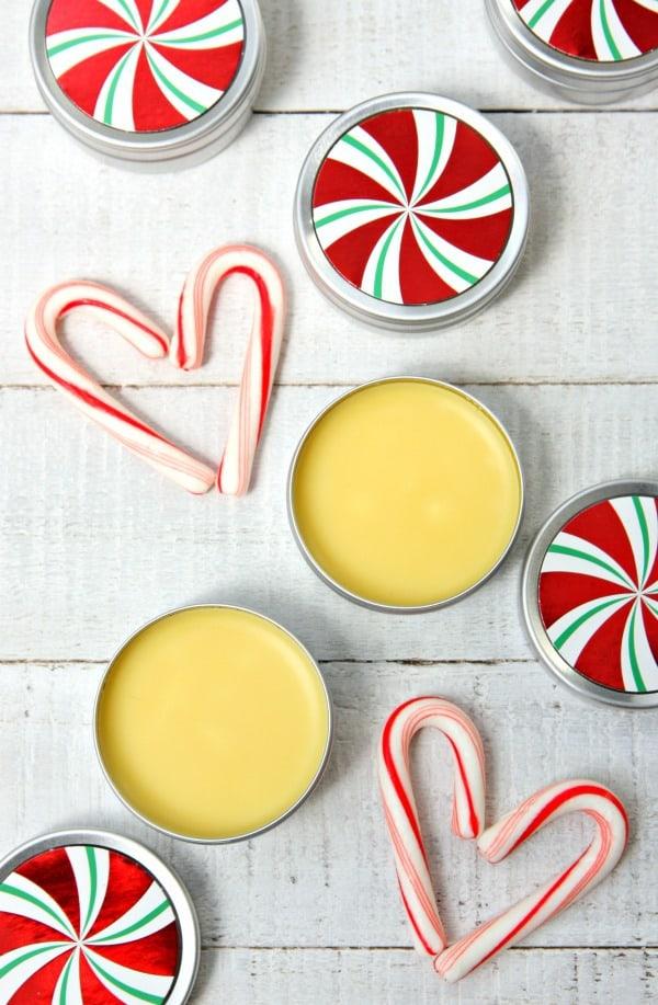DIY peppermint lip balm (via www.happygoluckyblog.com)