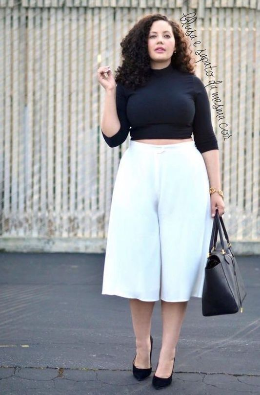 2b3080bbd95 a curvy girl look with a black crop top with long sleeves