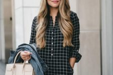 03 a black plaid shirtdress with buttons, a denim jacket, a black bag for a casual look