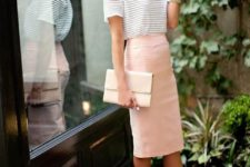 05 a striped t-shirt, a blush knee pencil skirt, white shoes and a white bag