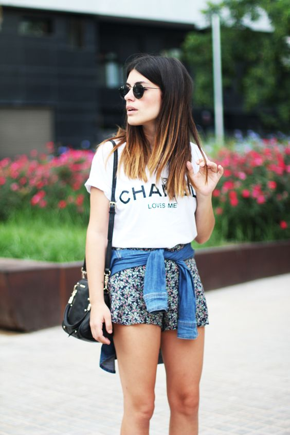 floral mini shorts, a Chanel t-shirt and a denim jacket for a relaxed look
