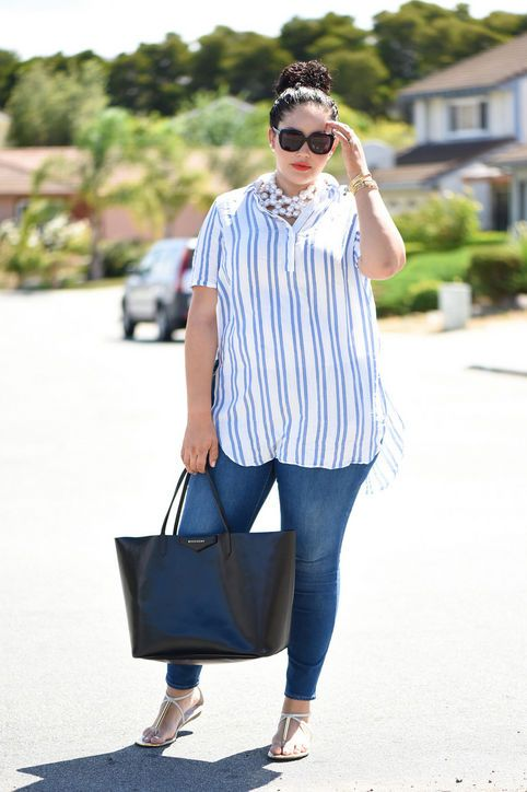 blue skinnies, a striped shirt, layered pearl necklaces, sandals and a shopper bag