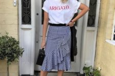 trendy gingham outfit for summer