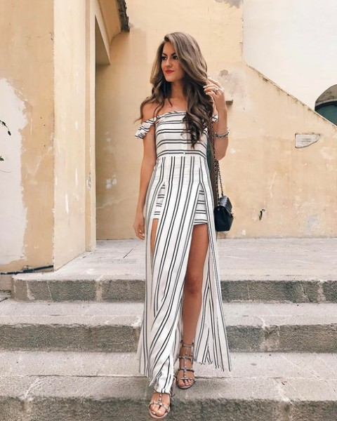 With chain strap bag and high heels