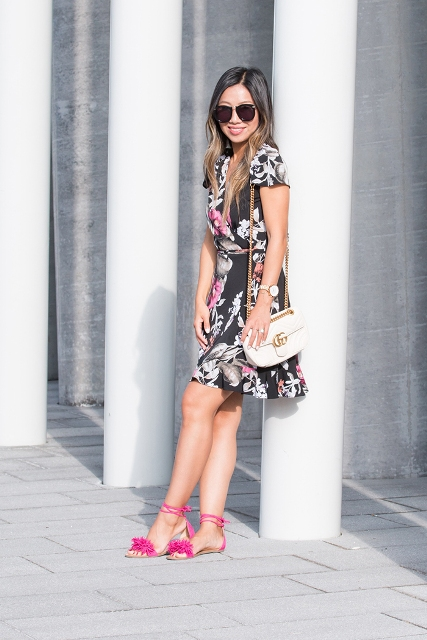 With chain strap bag and hot pink flat sandals
