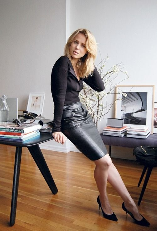 a black leather pencil skirt, a black top and shoes for a monochromatic look