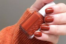 05 rust-colored nails are autumn classics that never goes out of style