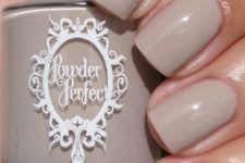 10 light grey nails are always a good diea, especially in the fall