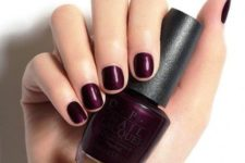 simple yet bold fall short nails
