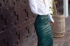 13 a white shirt, an emerald midi leather skirt with pockets and nude shoes