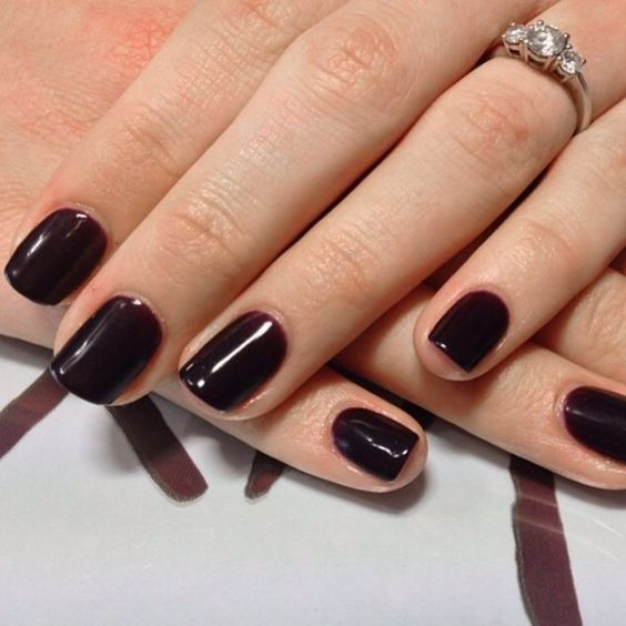 burgundy to chocolate manicure is fall classics that is ideal for those who love darker shades