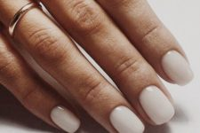 14 soft ivory nails are always a great idea for any work, they fit many outfits