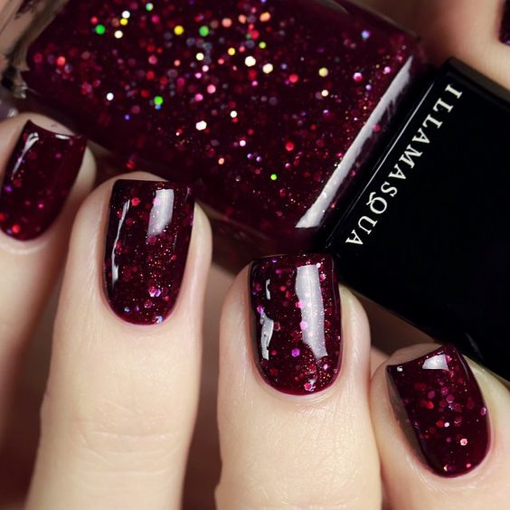 gorgeous fuchsia glitter nail polish is great for the fall parties