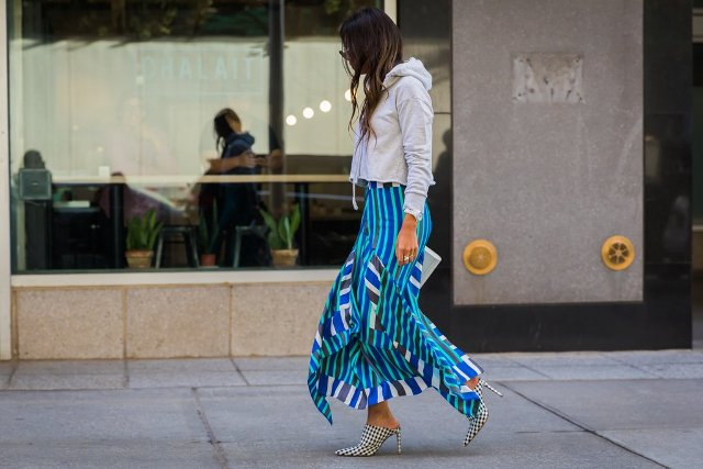 With printed maxi skirt and checked heels