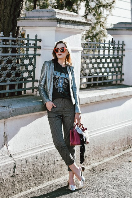 With printed t-shirt, metallic blazer, crop pants and marsala bag
