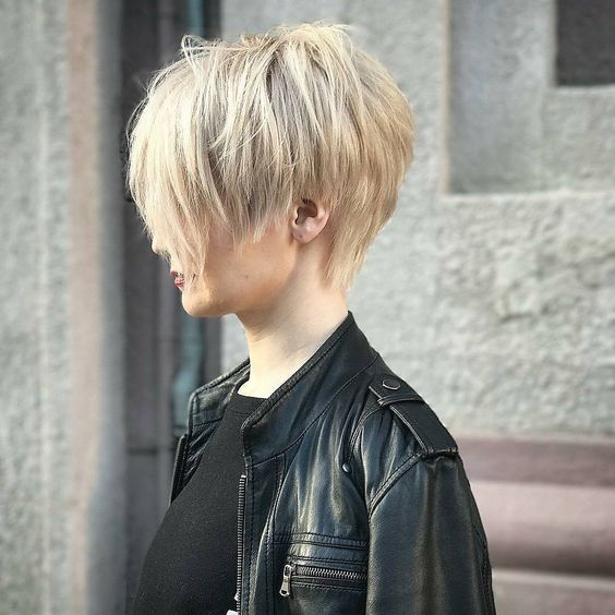 a cool layered and shaggy pixie haircut for daring girls