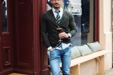 fall men work outfit in casual style