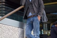 05 blue denim, a blue shirt, brown shoes and a printed waistcoat and blazer for a chic fall look