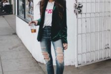 05 ripped skinnies, a printed tee, an emerald velvet blazer, embellished slipons
