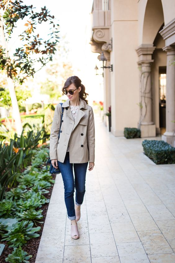 navy denim, neutral shoes, a white lace top, a grey short trench for a casual look