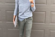 06 olive green cropped jeans on buttons, a grey top with long sleeves, blush flats for a casual feel