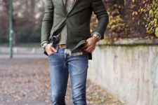 07 a grey top, an olive grene blazer, blue denim and creamy suede shoes for a fall look