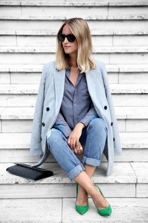 a grey shirt, cuffed blue skinnies, bold green shoes and a powder blue short coat for a fall look